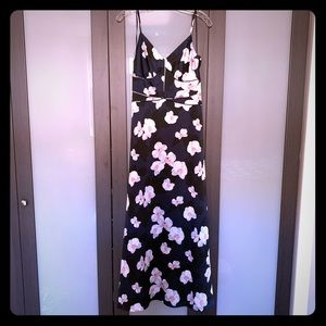 NWT Banana Rep Navy Floral Maxi Dress (Size 4)